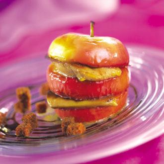 Pomme Pink Lady et foie gras poêlé, caramel de vinaigre balsamique, pain d'épices